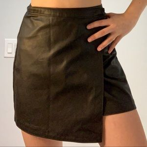 Abercrombie & Fitch black, faux leather skirt